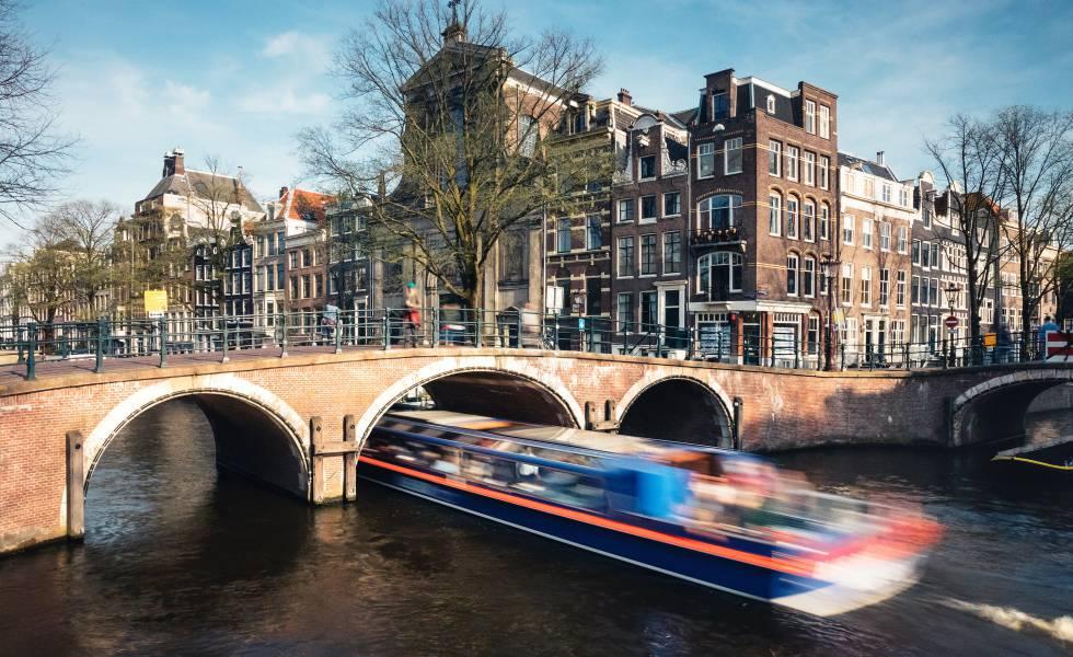 Un canal de Ámsterdam.