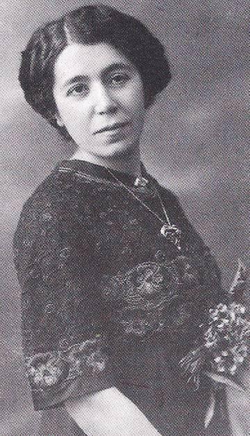 Retrato de María Lejárraga na juventude em uma imagem do arquivo da família.