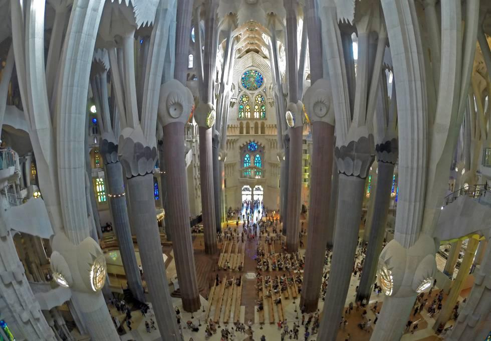 Sagrada familia gaud s sagrada familia the barcelona for Gaudi kathedrale barcelona