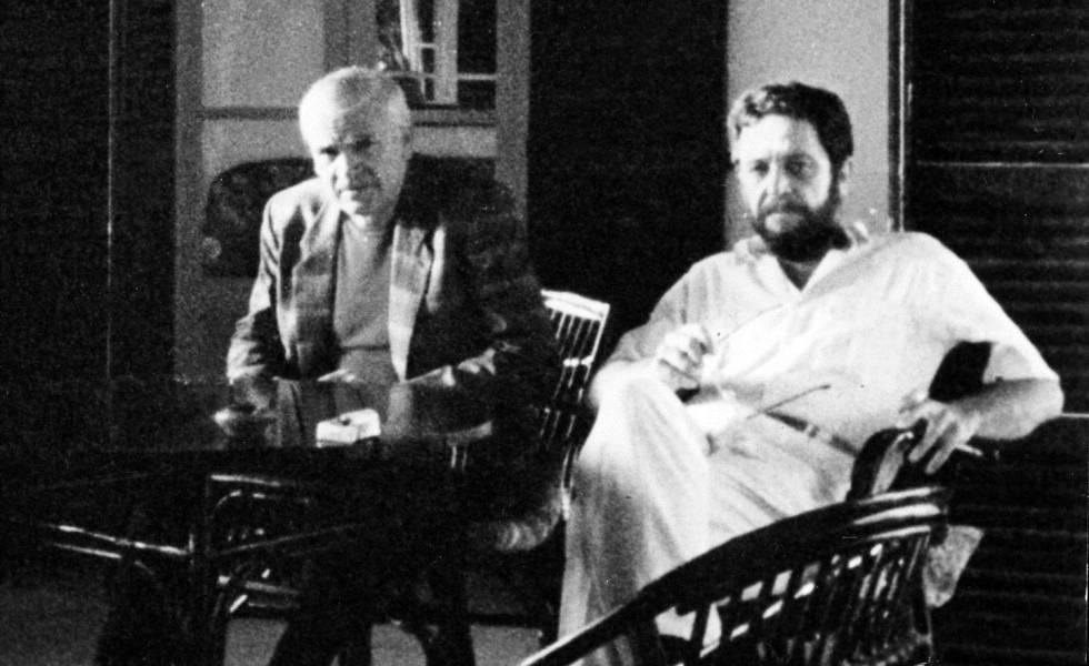 Antonio López Lamadrid y Milan Kundera, en Mallorca en 1985.