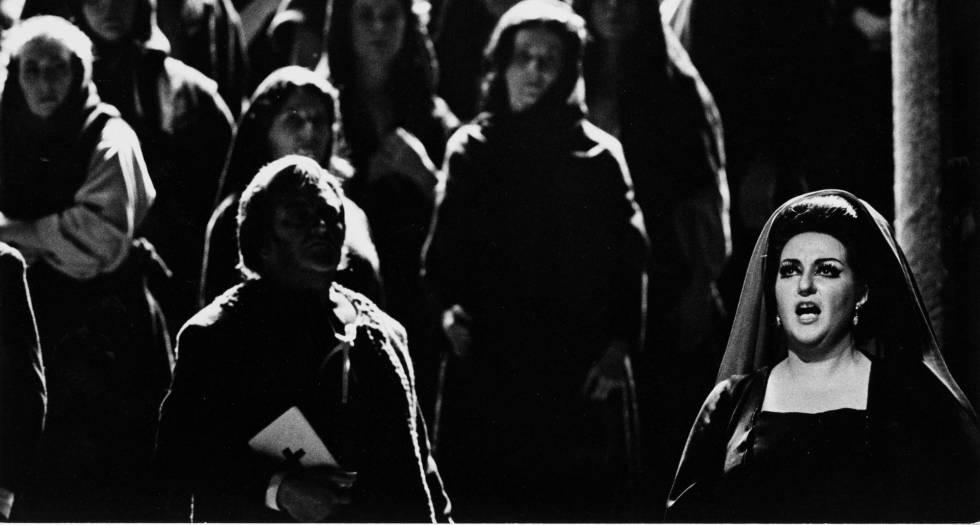 Montserrat Caballé, em 1974, interpretando 'Vésperas Sicilianas'.