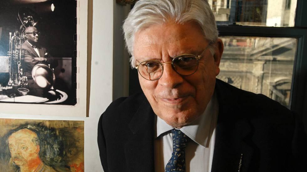 Menchi Sábat, durante la presentación de un libro en Buenos Aires en mayo de 2004.