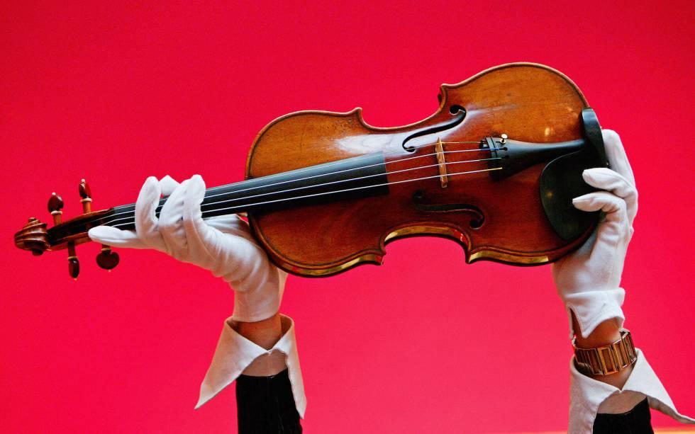 Violín de Antonio Stradivari de 1729, construido dos años antes que el instrumento depositado en la Comandancia de Córdoba