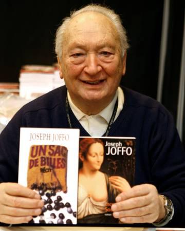 Joseph Joffo,  en el Salón de París en 2008.