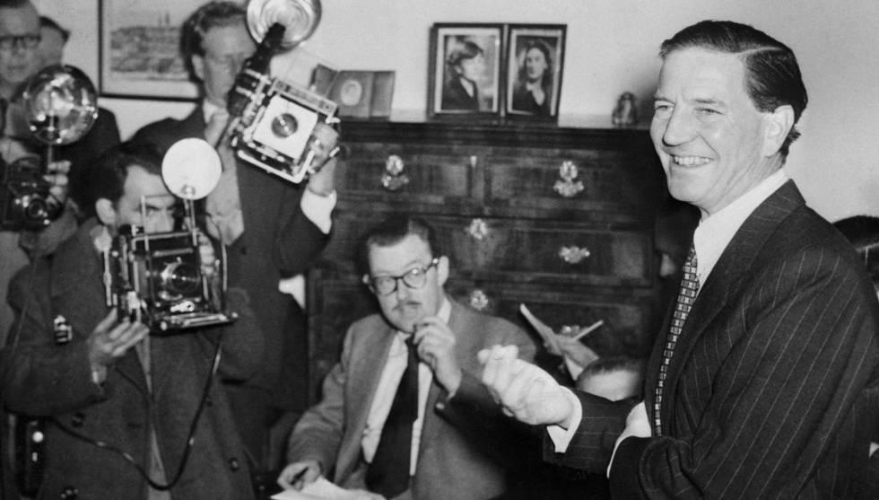 Philby en una rueda de prensa en Londres en 1955 en la que, con gran sangre fría, negó estar al servicio del KGB.