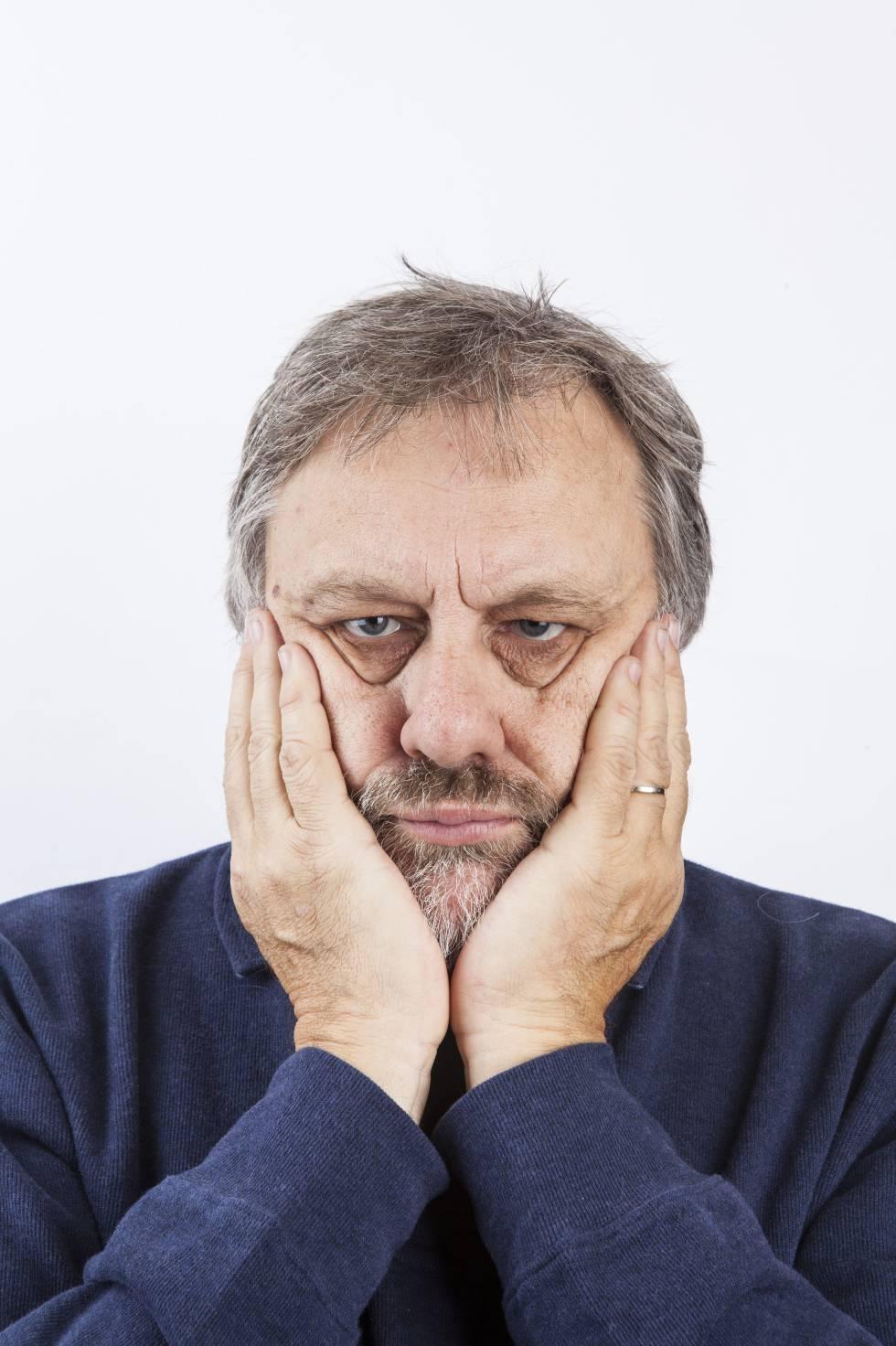 """Slavoj Zizek: """"As pessoas estão dopadas, adormecidas. É preciso despertá-las"""""""