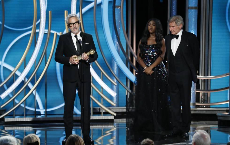 Alfonso Cuarón com o Globo de Ouro de melhor diretor.