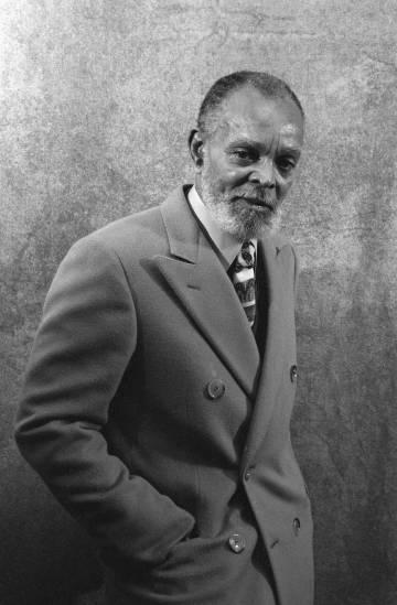 El escritor Chester Himes.