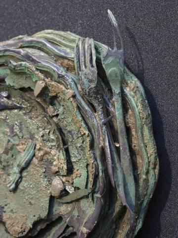 Cubertería hallada durante las labores de investigación de la fragata