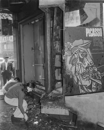 La librería Cinc d'Oros de Barcelona, destruida el 25 de noviembre de 1971.
