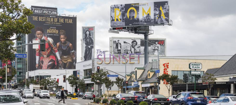 Cartel de la película 'Roma', en Los Ángeles el 9 de febrero.