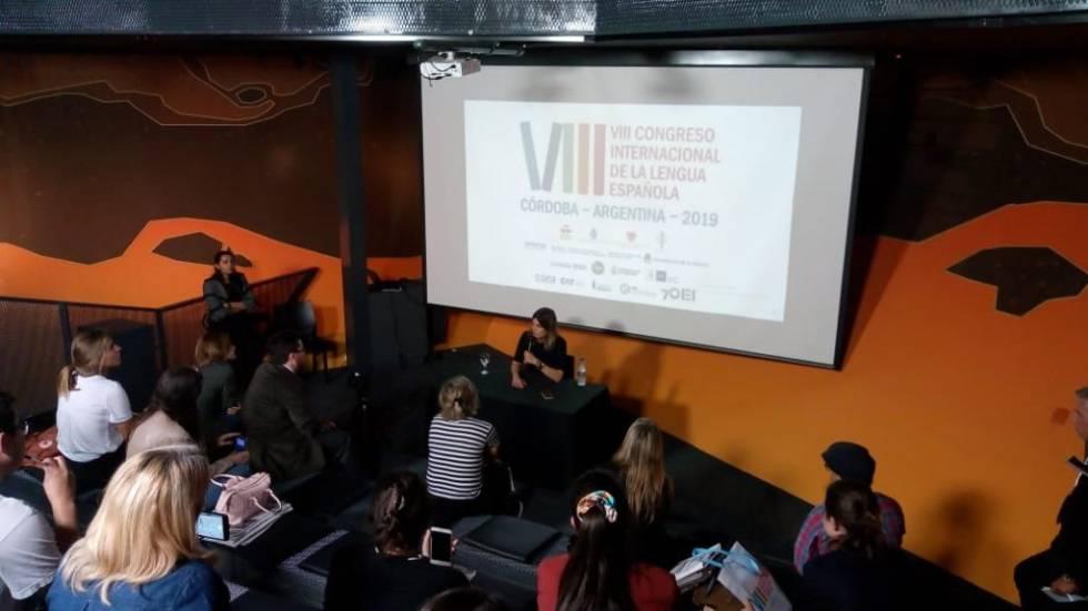Encuentro  con lectores de Eliva Sastre en el Congreso de la Lengua de Córdoba.