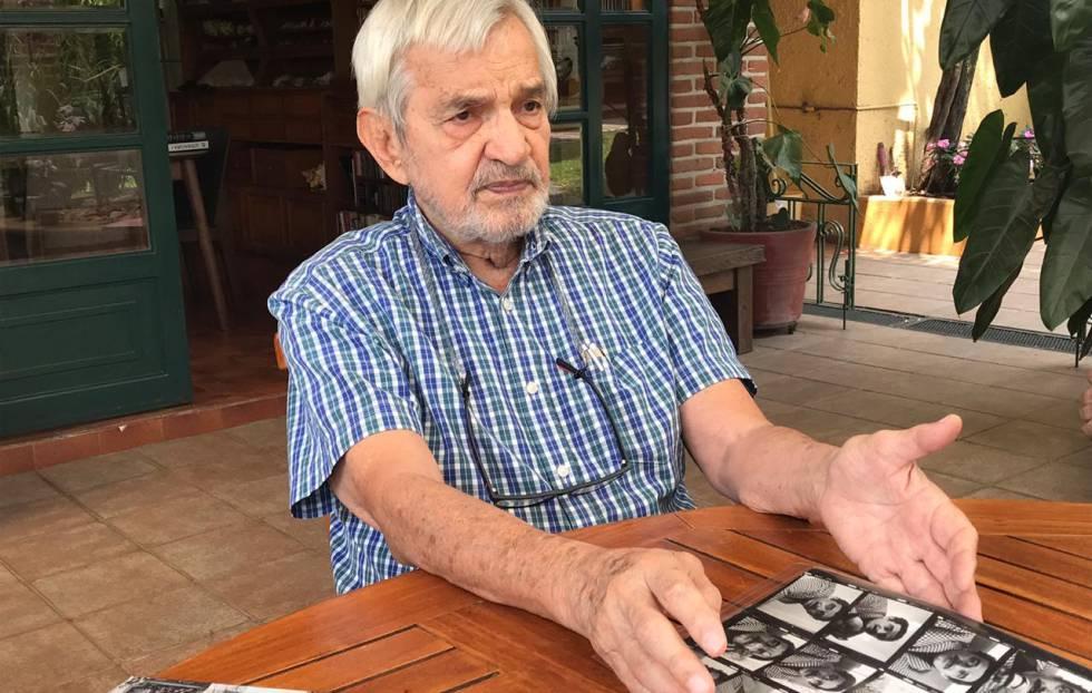 Rodrigo Moya, en su casa en Cuernavaca.