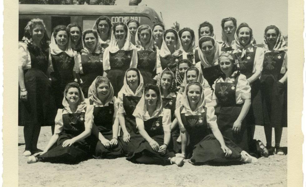 Las fotos del homenaje de 10.000 mujeres a Franco