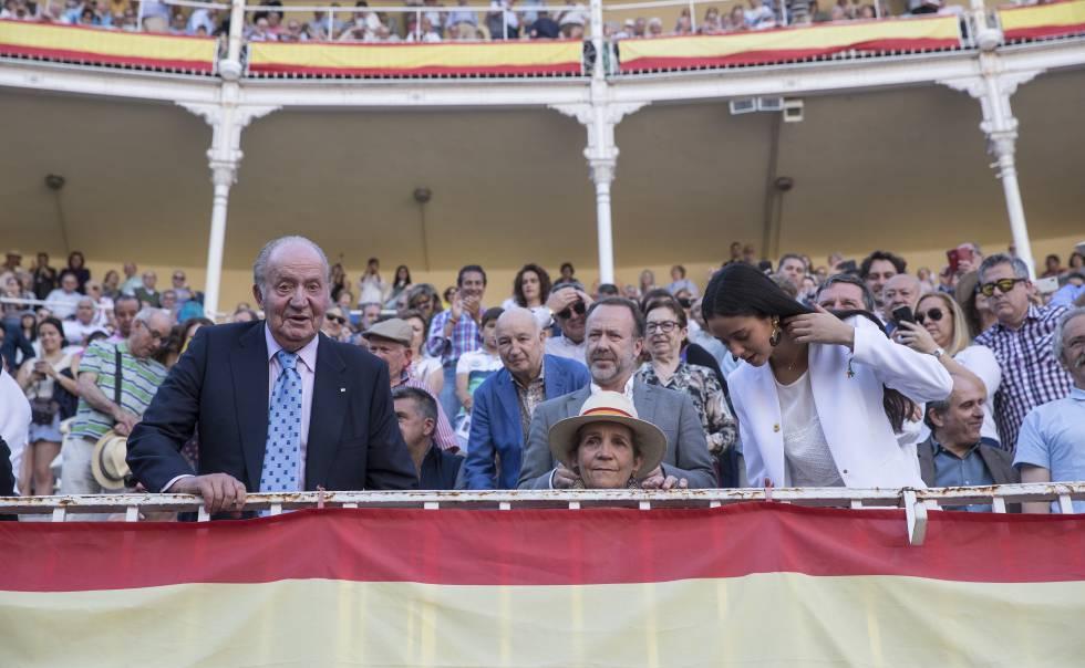 Derecha El CarlosCalorazo En Los Juan Y Rey La TendidosCultura doxeWrCB