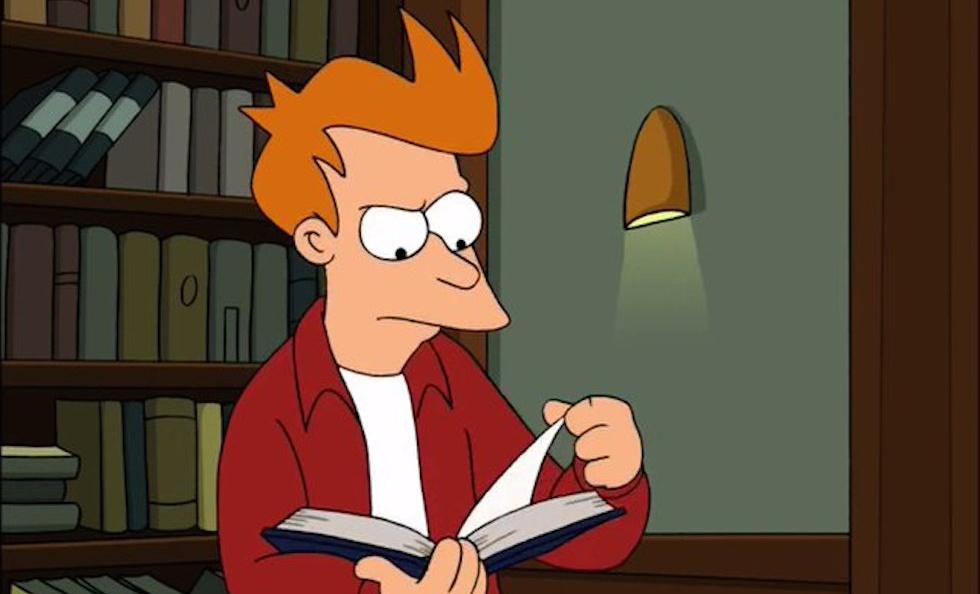A Fry nunca se le dieron bien los libros, pero le sirvieron para vencer a los cerebros voladores