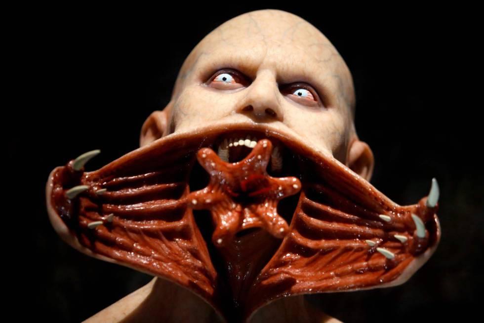 Una pieza de la película 'Blade', durante la exposición 'En casa con mis monstruos'.