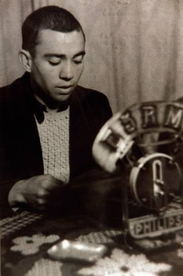Intervención de Miguel Hernández en la emisora del 5º Regimiento, el 4 de diciembre de 1936.
