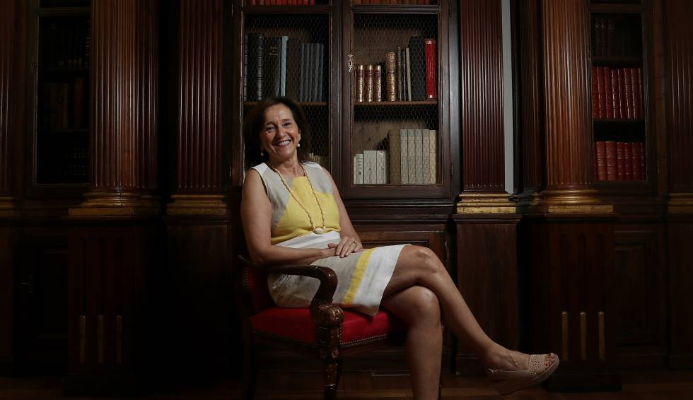 Ana Santos, directora de la Biblioteca Nacional.
