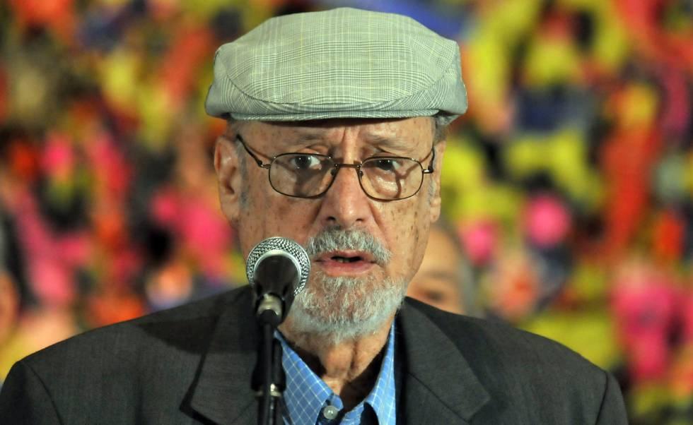 Roberto Fernández Retamar, en una entrega de premios en 2012.