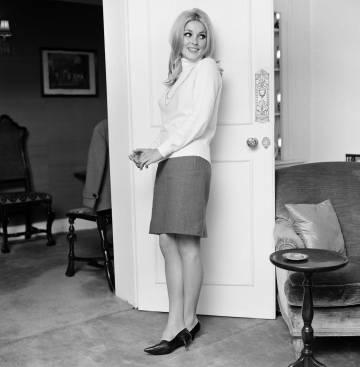 Sharon Tate, en su apartamento de Londres en octubre de 1965.