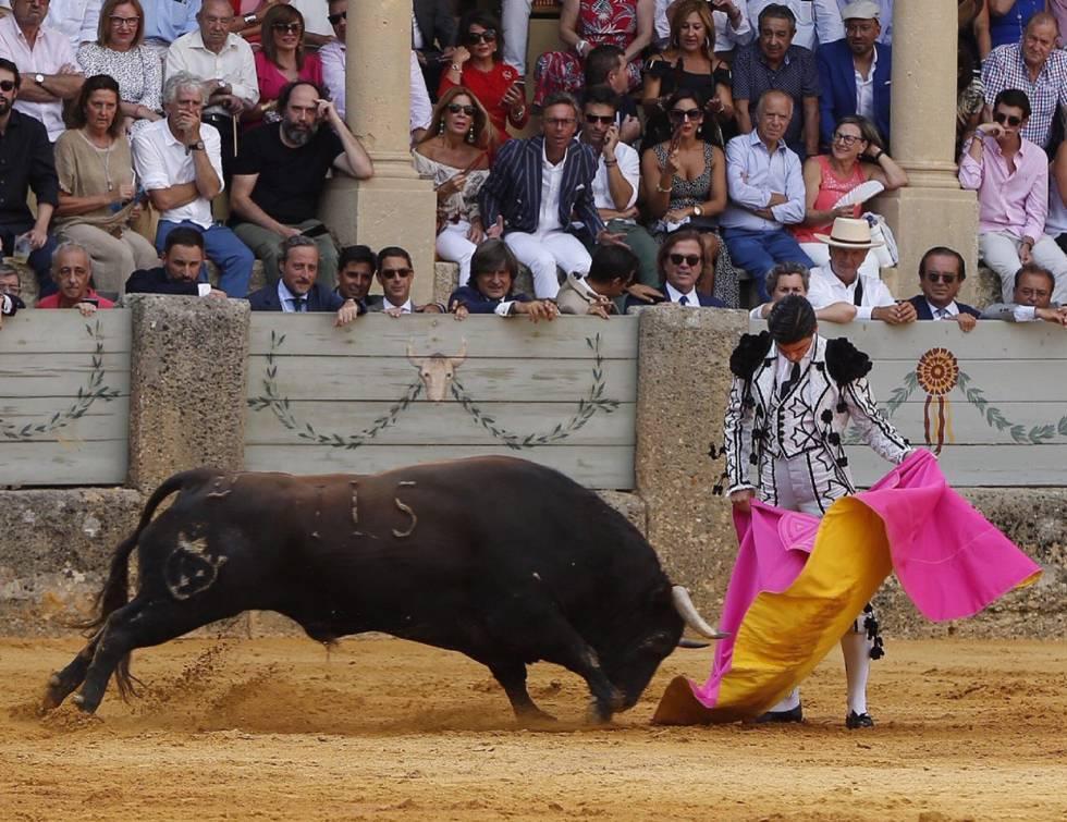 Pablo Aguado, a la verónica en la Goyesca rondeña