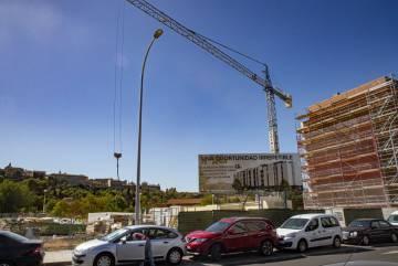 Construcción de pisos en la Vega Baja de Toledo.