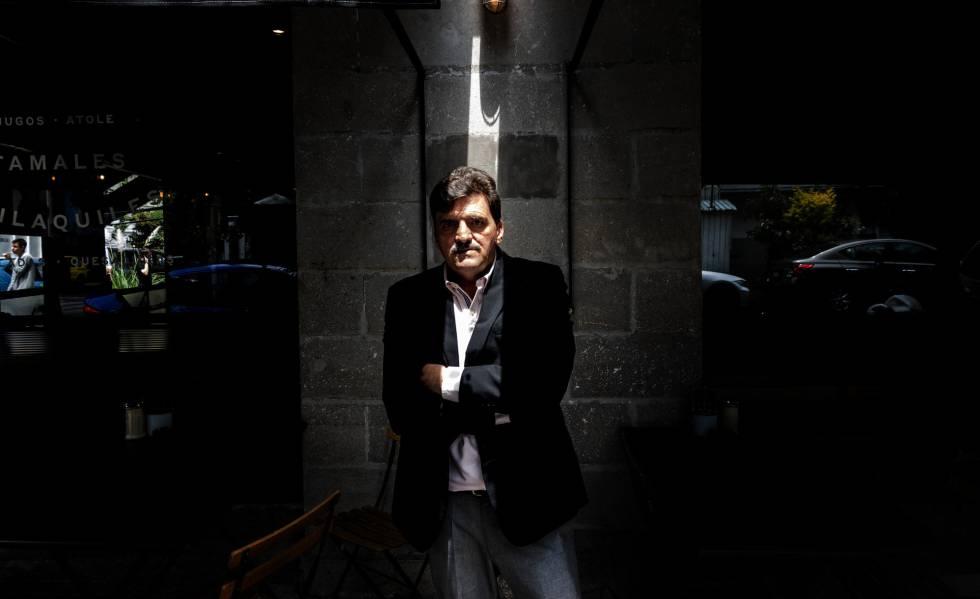 El escritor mexicano Enrique Serna, autor de 'El vendedor de silencio'.
