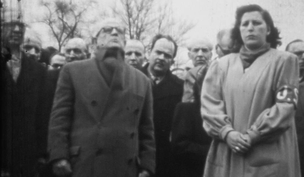 Entierro en 1946, en el cementerio parisiense de Père Lachaise, de Francisco Largo Caballero, ex presidente de Gobierno de la República.