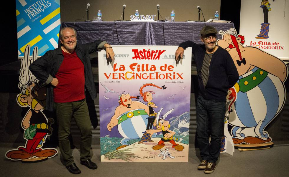 The writer Jean-Yves Ferri and the cartoonist Didier Conrad, in the presentation of 'The daughter of Vercingétorix', today in Barcelona.