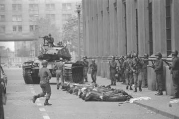 Militares chilenos durante el golpe de Estado de 1973.