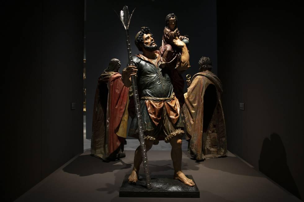 'San Cristóbal con el niño', una de las esculturas de la exposición del Museo de Bellas Artes de Sevilla dedicada al escultor Juan Martínez Montañés.