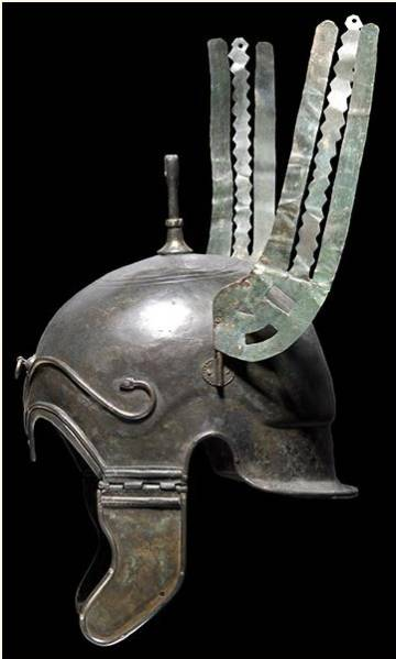 Helmet with Celtiberian wings found in Aranda de Moncayo.