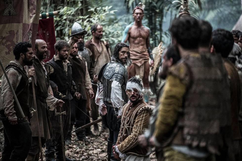 Óscar Jaenada, como Hernán Cortes, en un fotograma dela serie de TV 'Hernán'. (Amazon Prime Video)