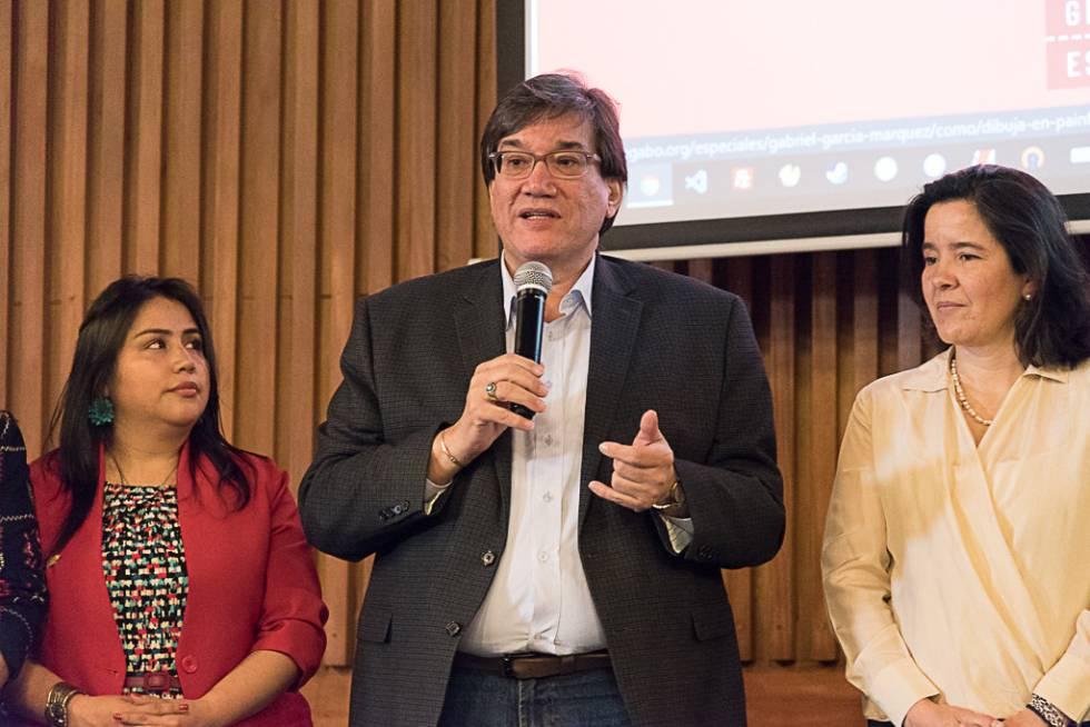 Jaime Abello Banfi, director de la Fundación Gabo. A su izquierda, la ministra de Tecnologías de la Información y las Comunicaciones de Colombia, Silvia Constain.