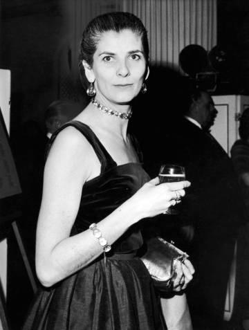 La escritora Elizabeth Jane Howard, en Londres en 1962.