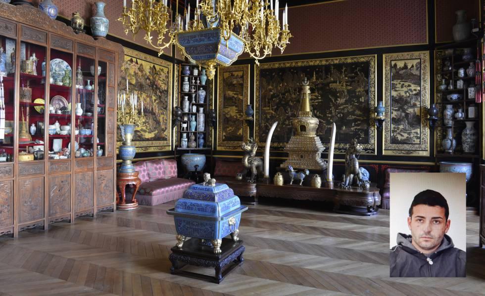 Sala del castillo de Fontainebleau con piezas de arte asiático. En la imagen pequeña, fotografía policial de Juan María Gordillo, 'El Niño Juan'.