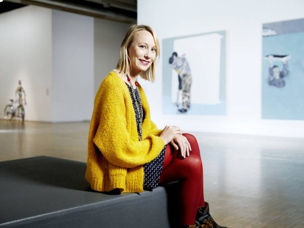 The conservator of the Pompidou Alicia Knock, an African art specialist.