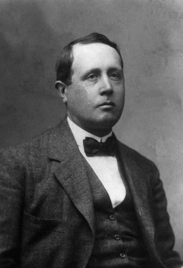 José Martínez Ruiz, Azorín, at the beginning of the 20th century.