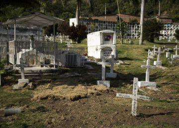 Para el escritor Pablo Montoya, la literatura de Colombia hablará de los desaparecidos. En la imagen, una fosa en Dabeiba (Antioquia).
