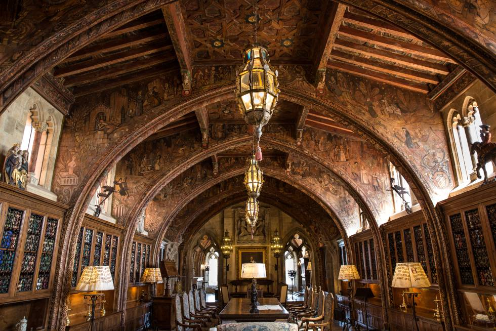 Hearst Castle Library, in California, with part of the coffering of Cuenca de Campos.