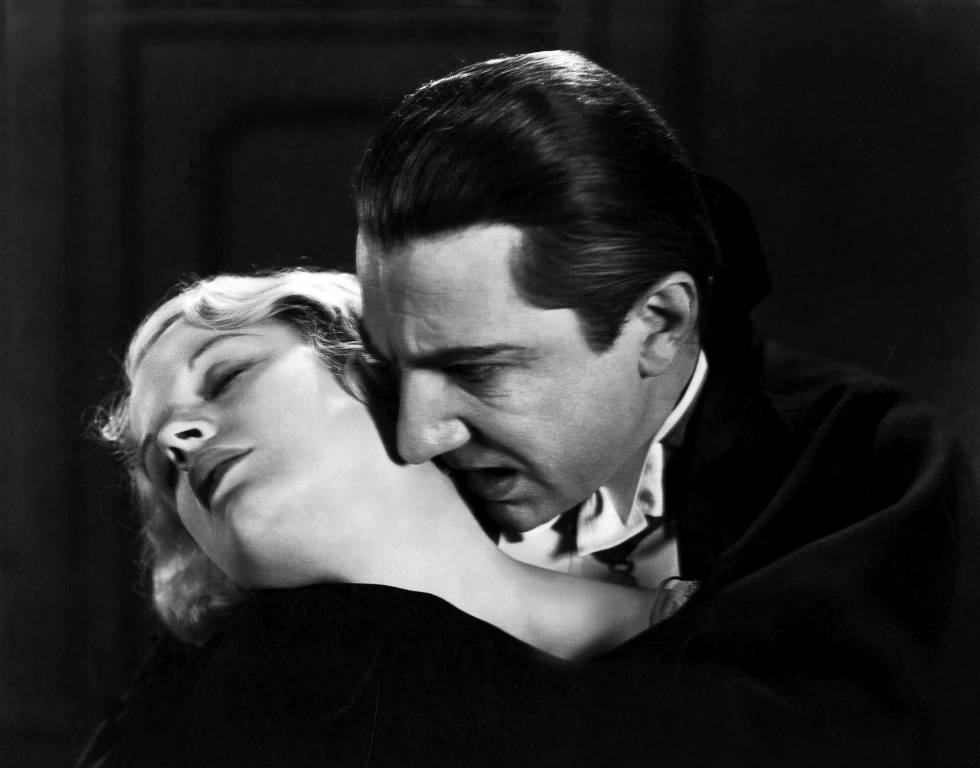 Frame of 'Dracula' (1931), with Helen Chandler and Bela Lugosi.