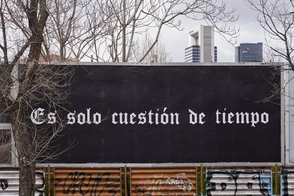'It's Just a Matter of Time', de Félix González-Torres (1992).