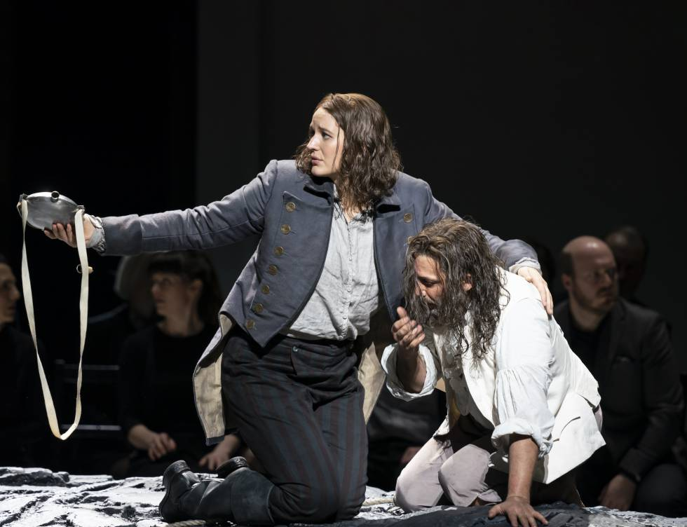 Lise Davidsen and Jonas Kaufmann at the crucial moment of rescue in the second act.
