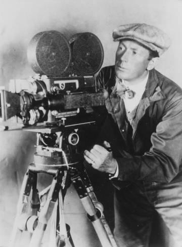 El director de cine alemán Friedrich Wilhelm Murnau, alrededor de 1920.