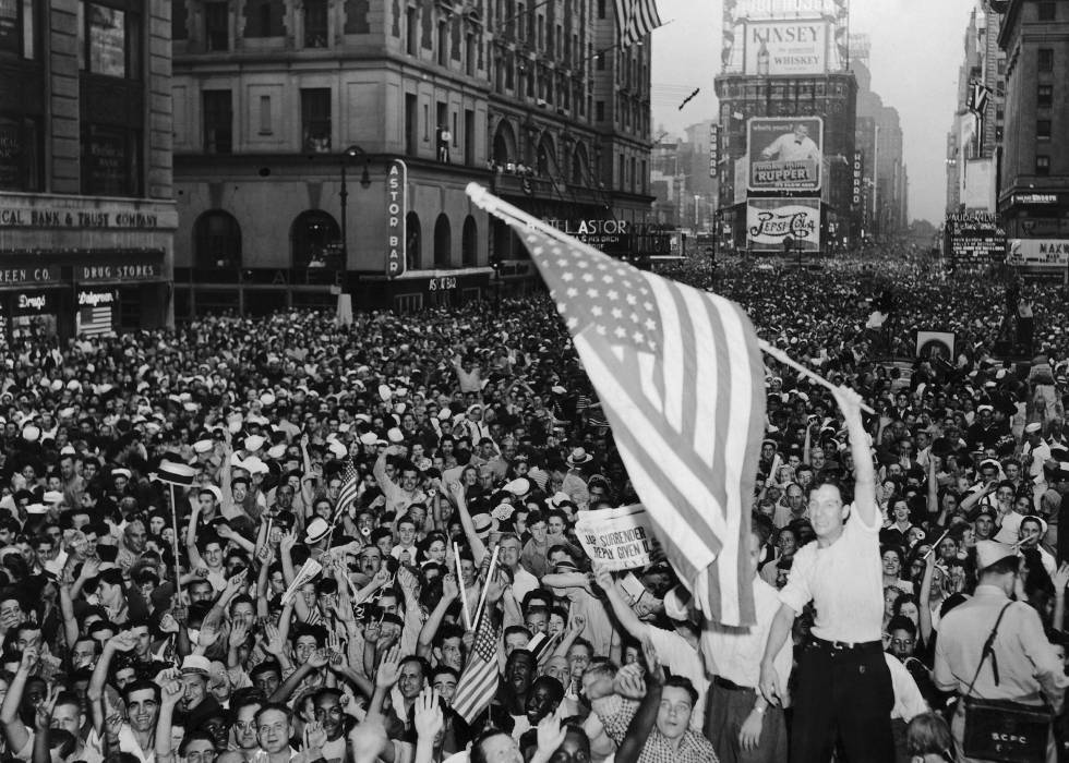 Celebrations in New York on May 8, 1945.