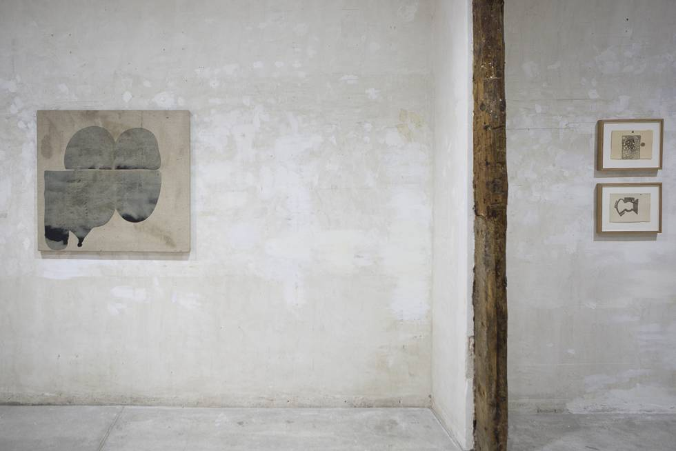 'The Dust from Which All the Forms Emerge Pantin, Paris, 1989-1991', by Berta Cáccamo, in a Comfortable Format (Madrid).