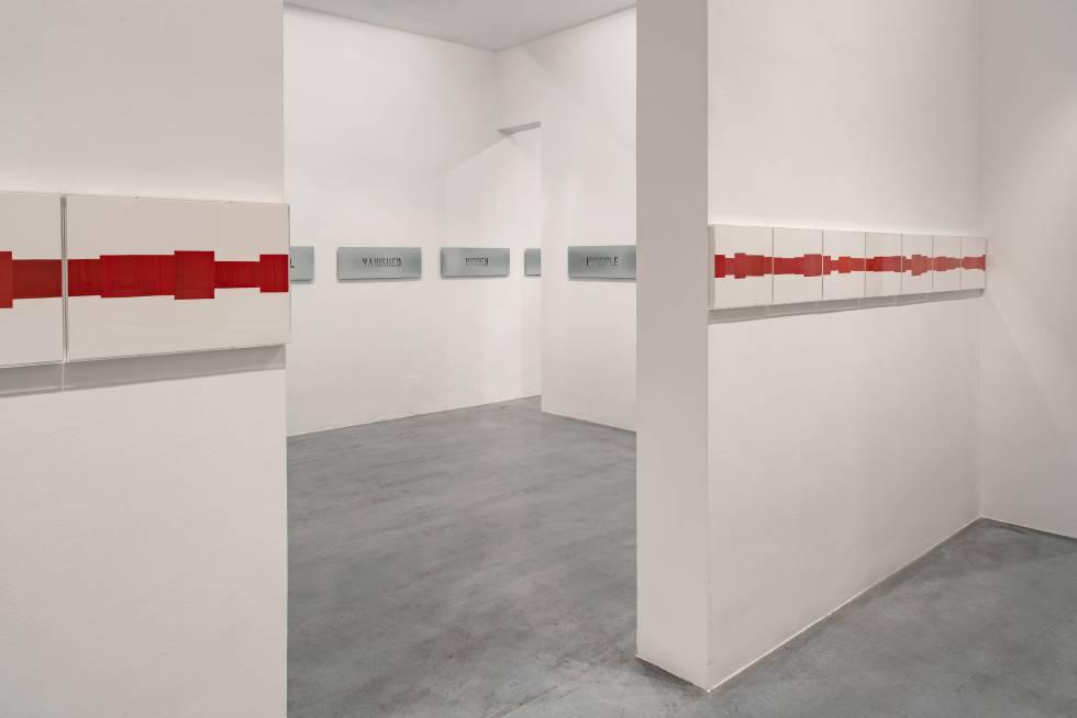 'Empty words', by Ignasi Aballí, at the Elba Benítez Gallery (Madrid).