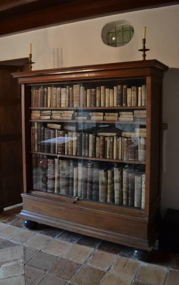 reconstrucción de la biblioteca de Spinoza en su casa de Rijnsburg (Holanda).
