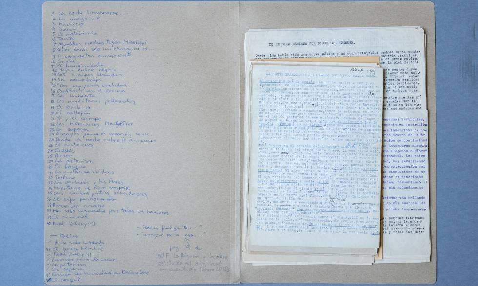 Manuscritos de 'El amanecer prohibido'.
